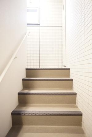 階段-01.JPG