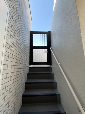 屋上・階段 (12).JPG